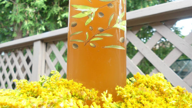 Goldenrod Vinegar